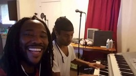 Know Cash Catches A Lil Live Wreck Doing His Best H-Town Rendition Wit Cousin Z-Dogg On The Keys